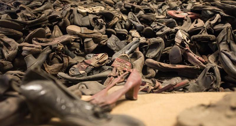 Beschreibung Holocaust Gedenktag oder Internationaler Tag des Gedenkens an die Opfer des Holocaust 2015