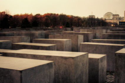 Am 9. November ist der Gedenktag an die Reichspogromnacht. Hier findest Du alle Informationen und Hintergründe zum Gedenktag an die Reichspogromnacht
