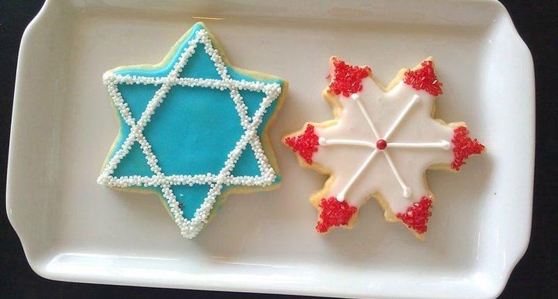 8. Tag der Versammlung (nach Sukkot) ist Schemini Azeret. Weitere Informationen und Hintergründe zum Feiertag Schmini Azeret findest Du hier.