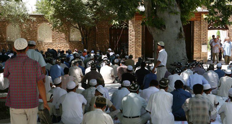 Am 3. Oktober ist Tag der offenen Moschee. Weitere Informationen und Hintergründe zum Aktionstag Tag der offenen Moschee findest Du hier.